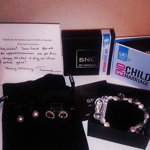 Snö_End_Child_Marriage_armband
