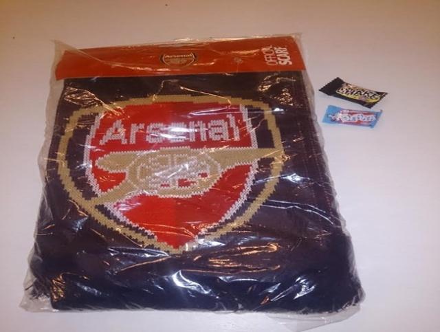Supporterprylar_Arsenal_halsduk