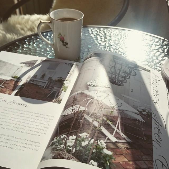 balkong inredning jeannedarcliving kaffe sol vår